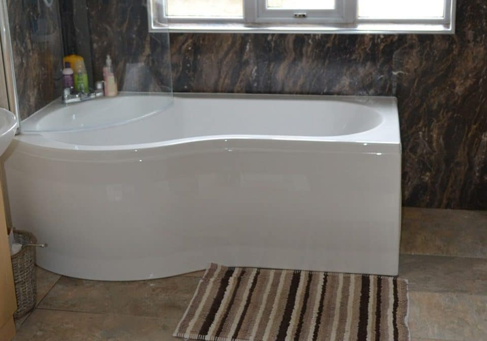 Bathroom fitting in Grimsby and Louth