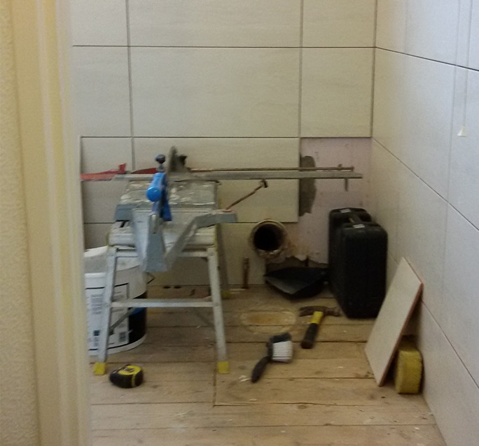 Tile fitting in Grimsby