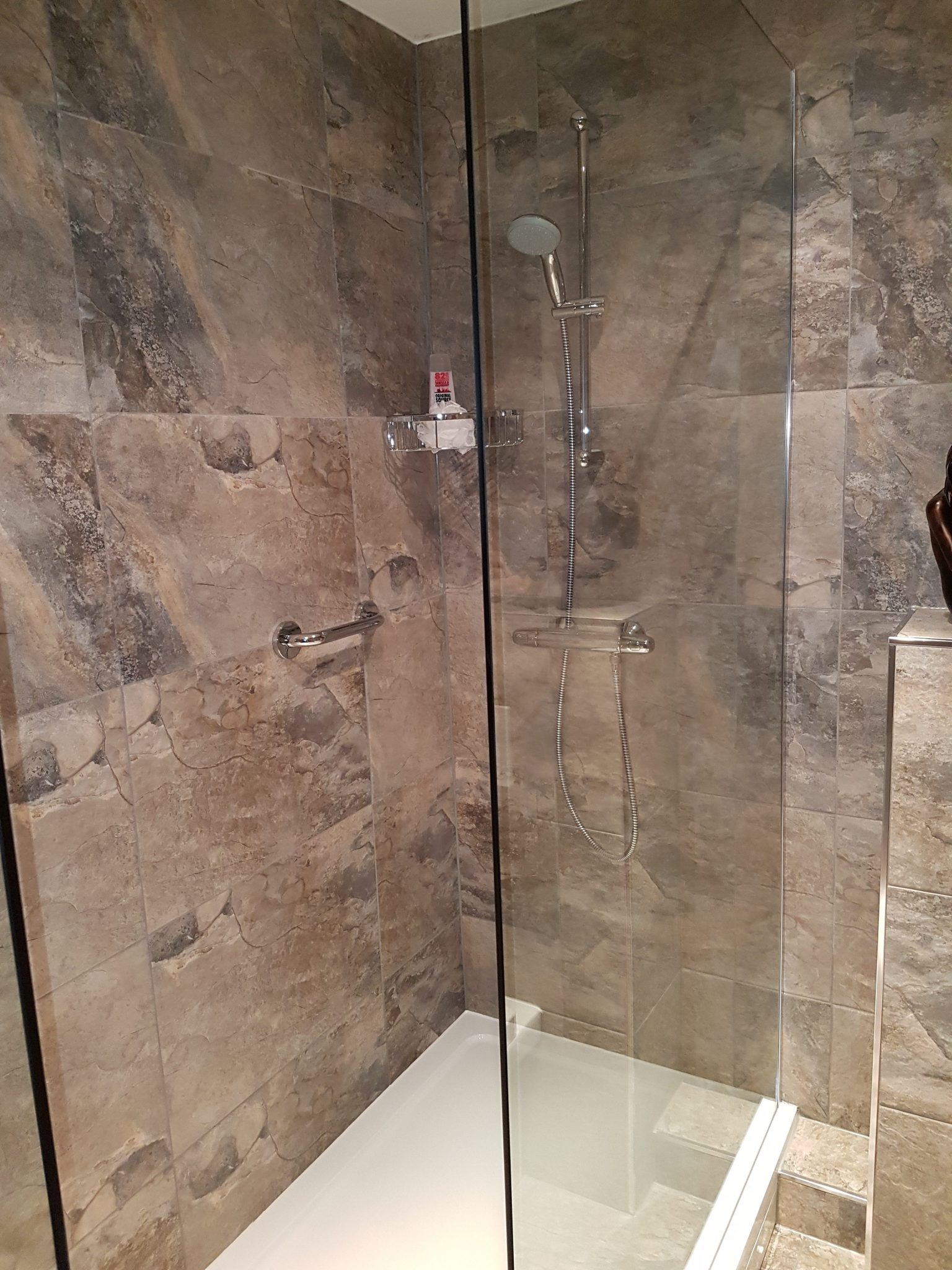 Keystone shower room
